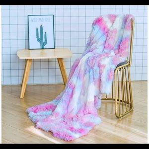 Rainbow Faux Fur Soft Blanket 50x60 Brand New